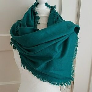 Very Large Cole Haan Green Blanket Fringed Scarf